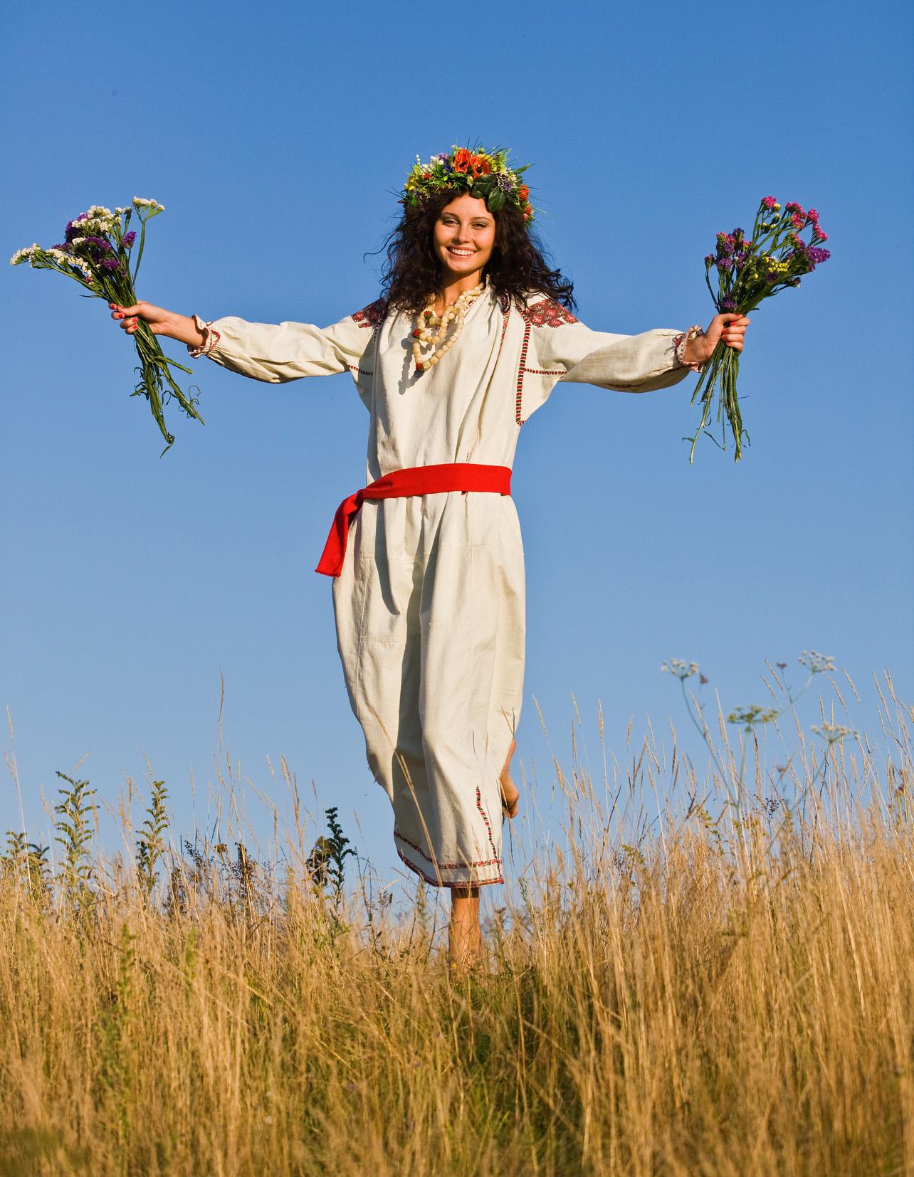 Украинки на природе 13 фотография