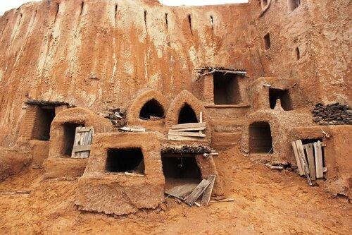 Пещеры для рабов и прислуги