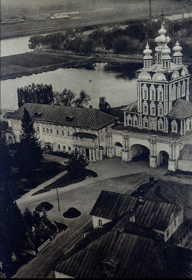 498. Новодевичий монастырь