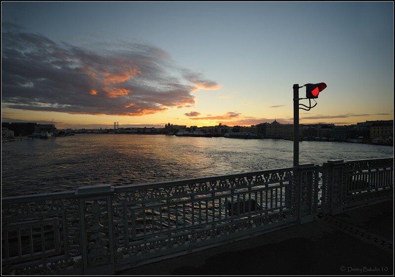 Красный на закате