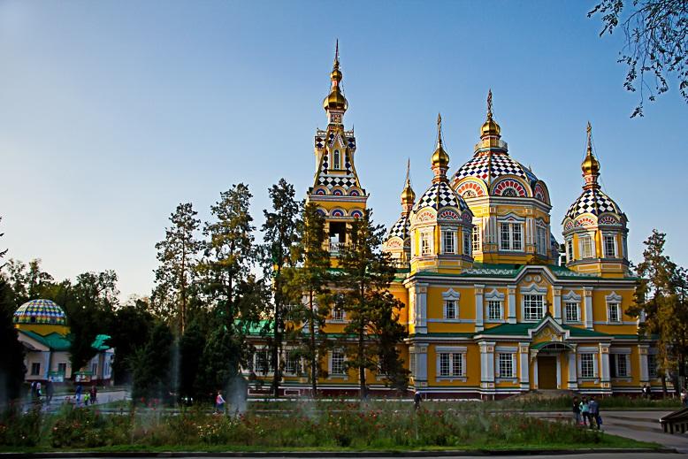 Вознесенский кафедральный собор (вид сбоку)