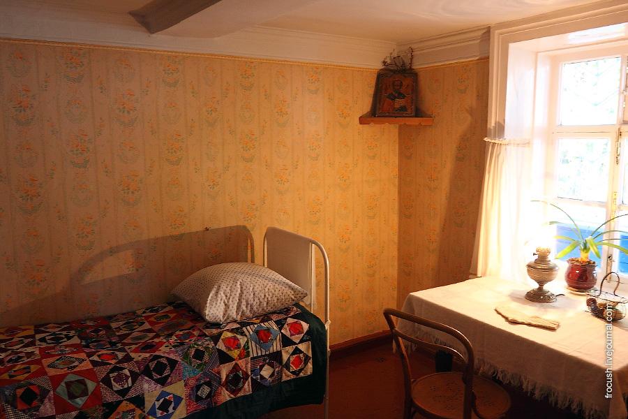 Комната Варвары Григорьевны Сарбаговой — няни.