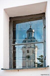 Отражение (окно, отражение)