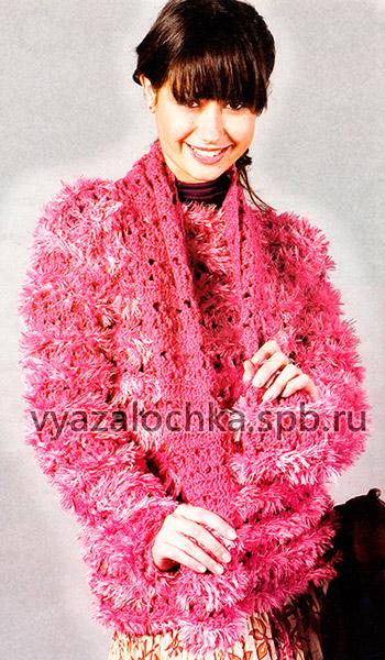 Пушистый пуловер и шарф крючком