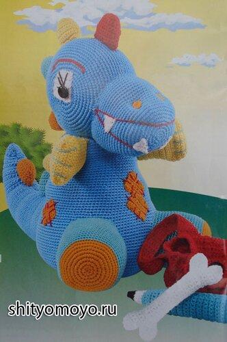 Вязание крючком для детей: поделки своими руками - динозавр, карандаш, кость и рюкзак