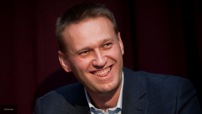 Навальный ссемьей улетел из РФ