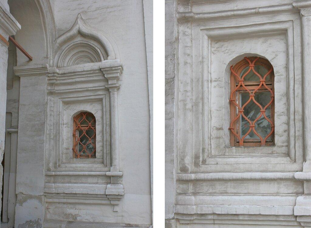 Окно у арки Собора Двенадцати Апостолов.