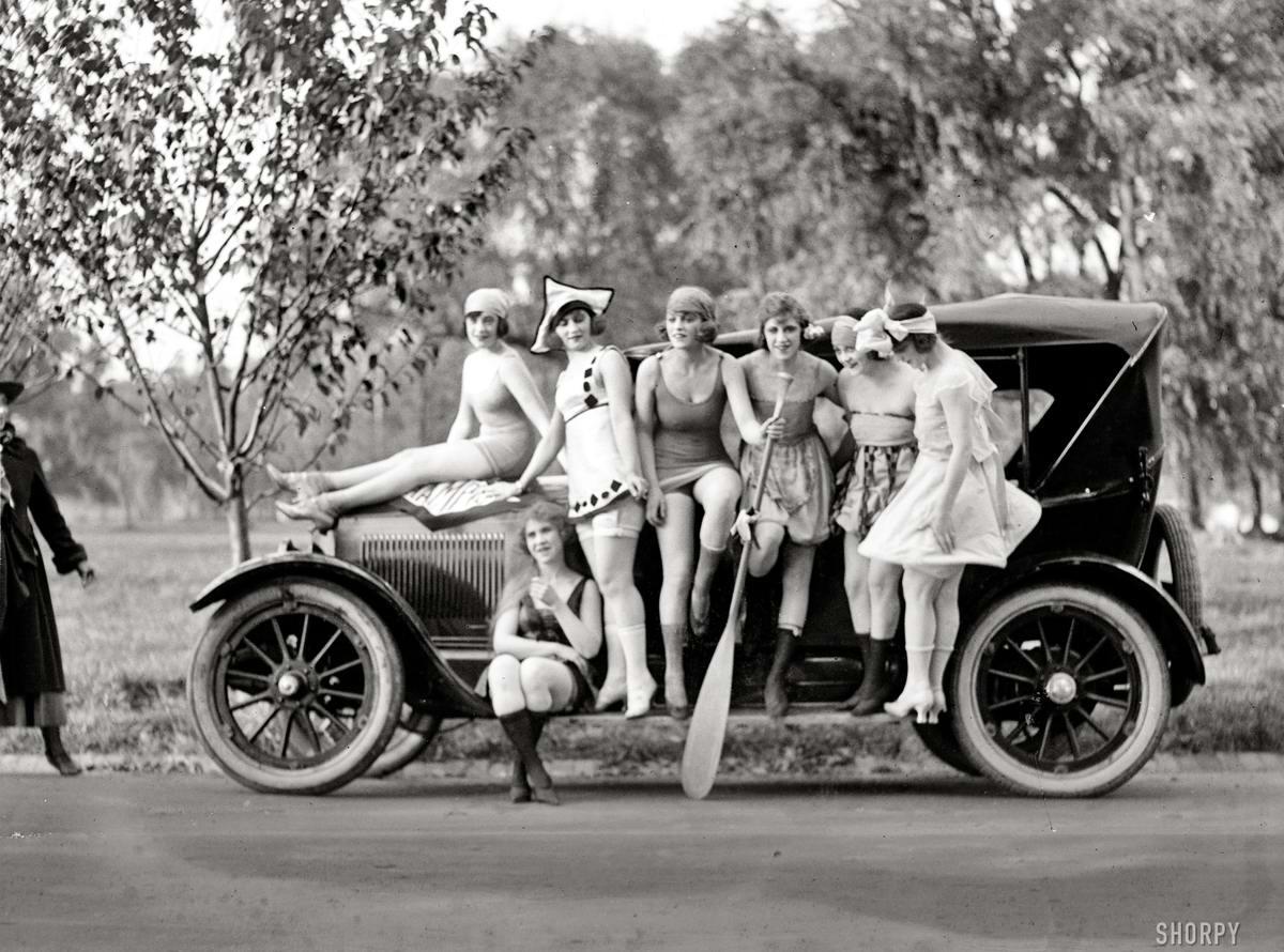 Автомобили и девушки начала 20-го века на снимках американских фотографов (13)