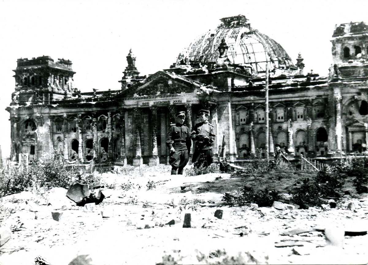 Падение Берлина на фотографиях весны 1945 года (31)
