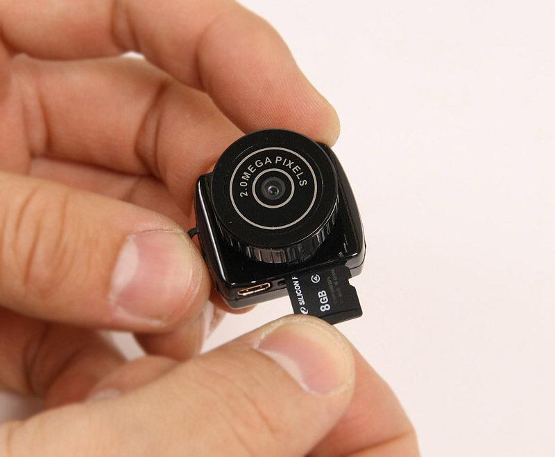 Если вам нужна камера с большим временем автономной работы, то выбирайте камеру с возможностью записи во время зарядки.