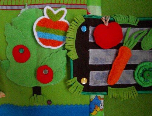 Развивающий коврик для детей Моулвиль... крепим дополнительный коврик