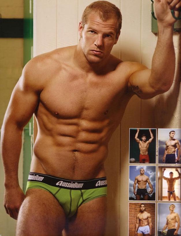 Календарь английских регбистов / Rugby-s Finest 2012 calendar - обложка