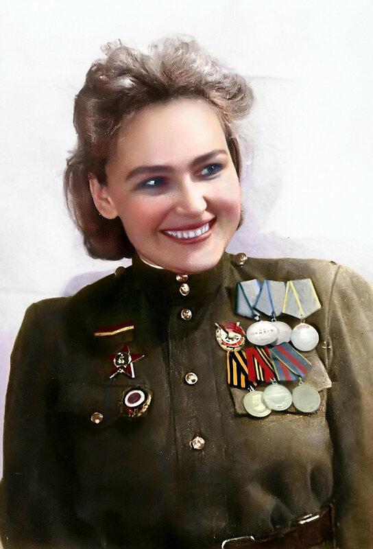 Софья Петровна Аверичева (10.09.1914 — 10.05.2015) - разведчица Ярославской стрелковой дивизии, актриса. Имеет 18 боевых наград..jpg