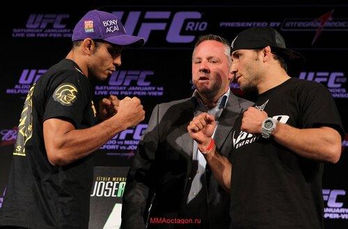 Хосе Альдо - Чад Мендез дуэль взглядов на пресс-конференции перед UFC 142