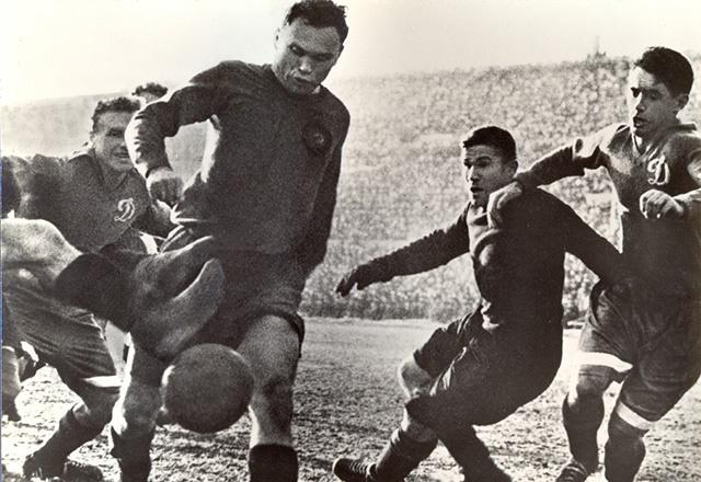 Кто был первым российским футболистом-легионером