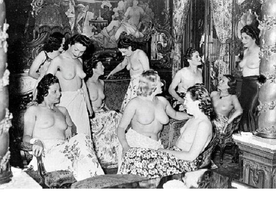 Голые женщины в концлагерях фото