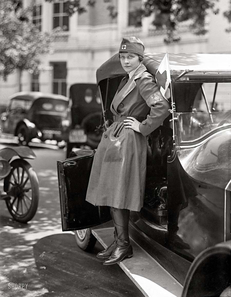 Автомобили и девушки начала 20-го века на снимках американских фотографов (10)