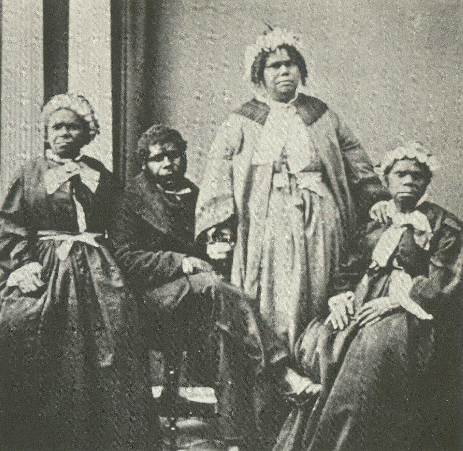 Truganini_and_last_4_tasmanian_aborigines.jpg