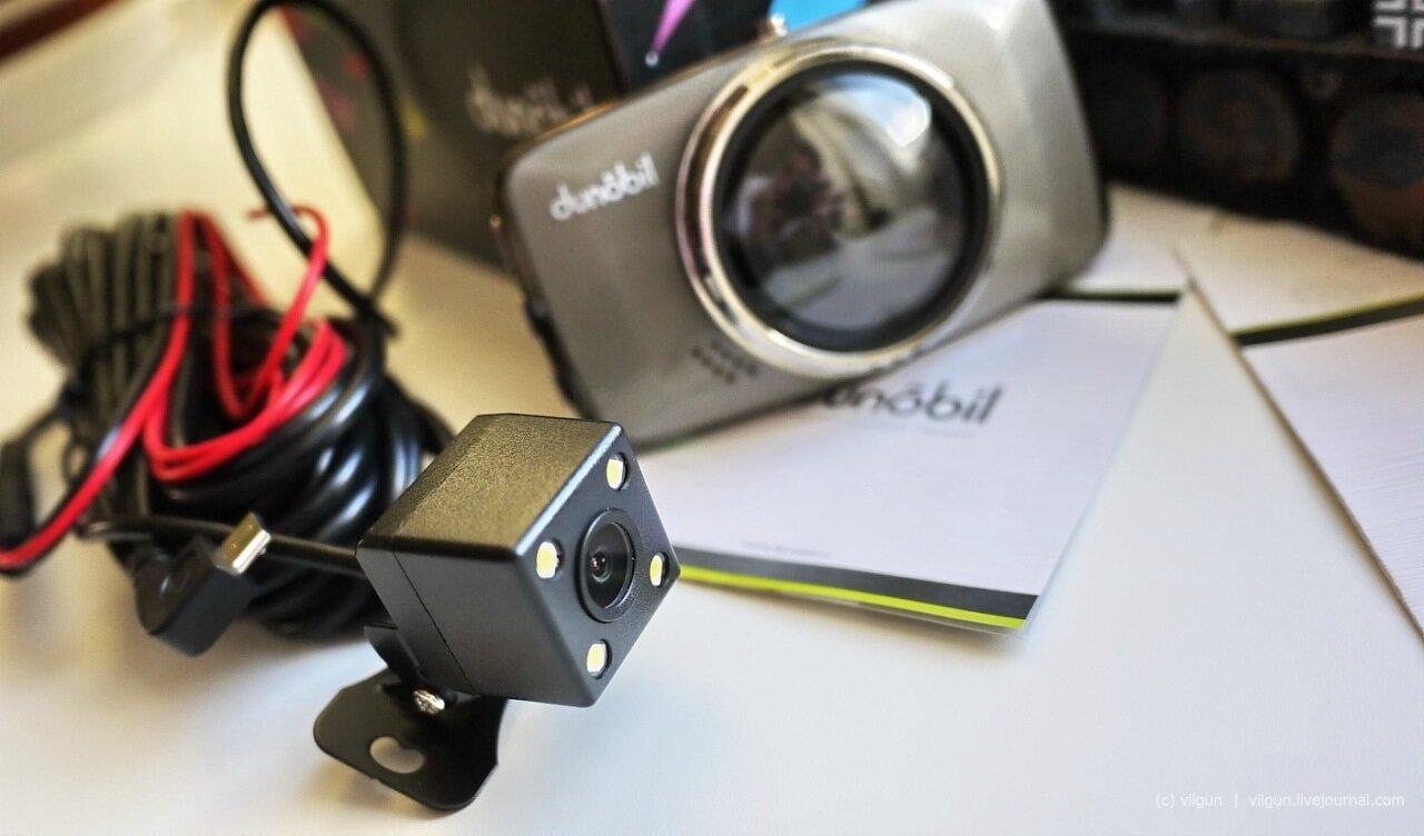 Видеорегистратор с возможностью подключения камеры заднего вида