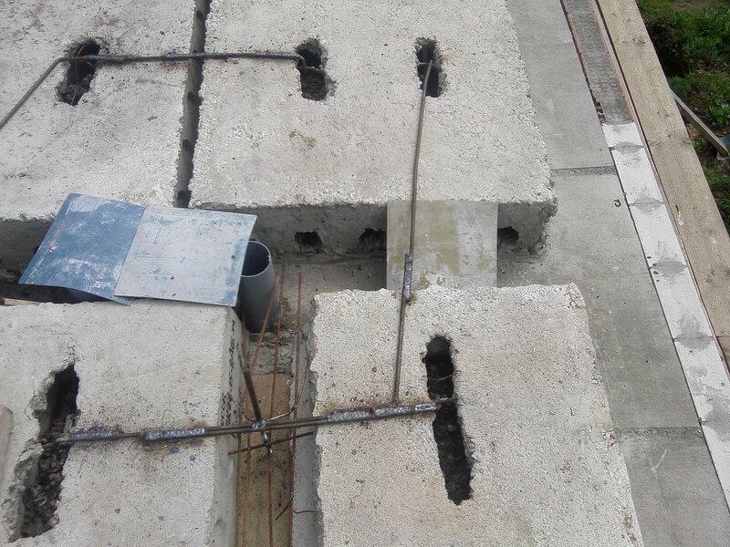 Сваренные петли у плит перекрытия.