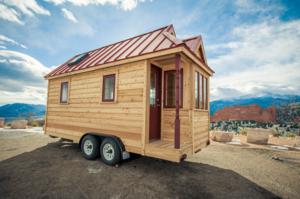 Мобильный мини-домик на колёсах