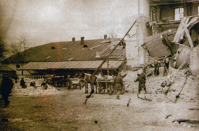 Работы по восстановлению пивзавода (1944)