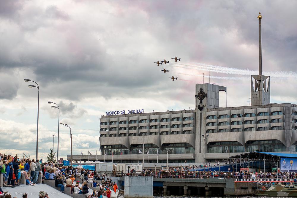 На следующий день, 5 июля, группа выступила на закрытии военно-морского салона в «Ленэкспо».