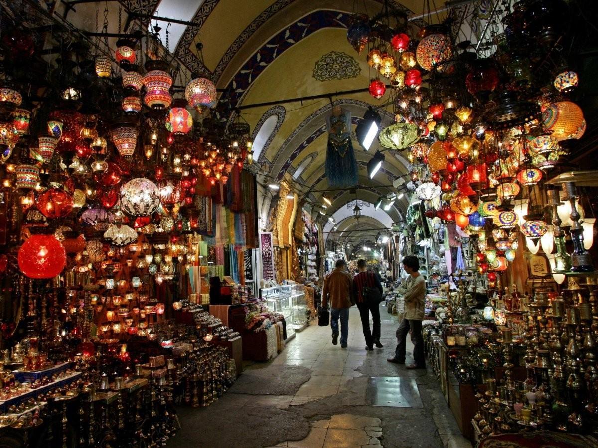 14. Зайдите на Большой Базар в Стамбуле, Турция.