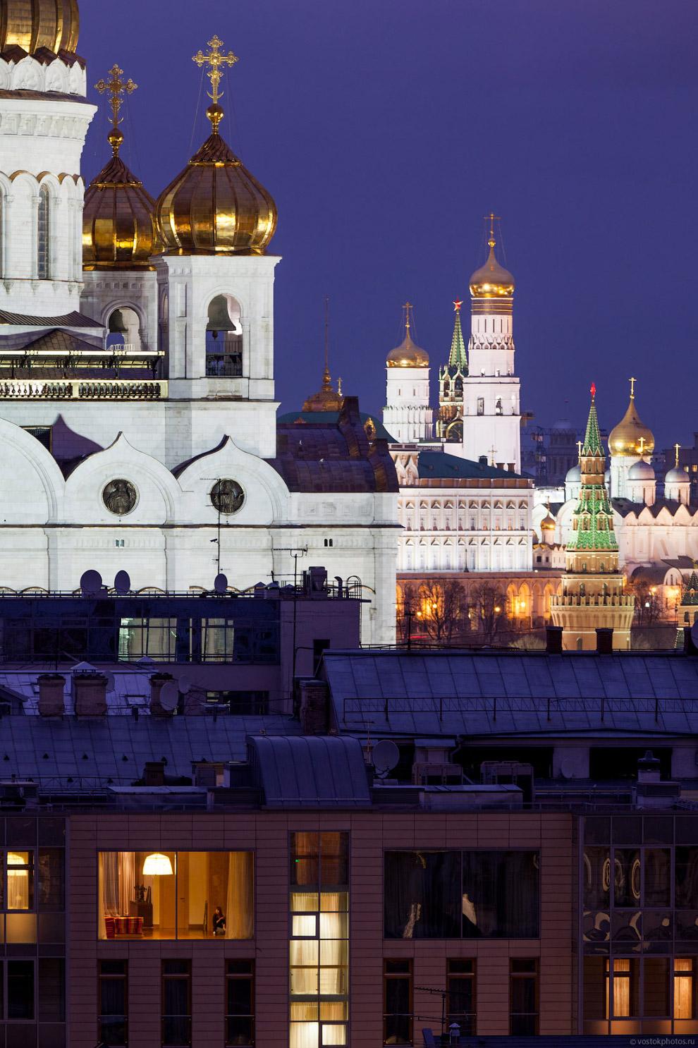 3. Высота храма с куполом и крестом составляет 103 метра, что на 150 сантиметров выше, чем Исаа