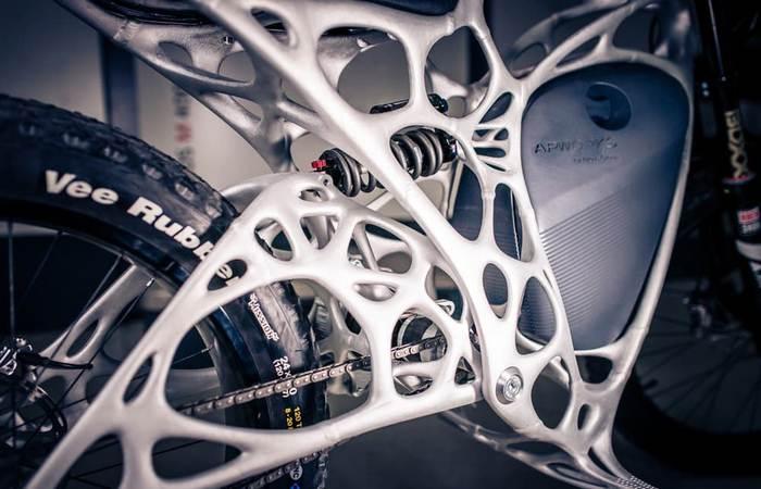 Airbus представил первый в мире мотоцикл, распечатанный на 3D-принтере (6 фото)