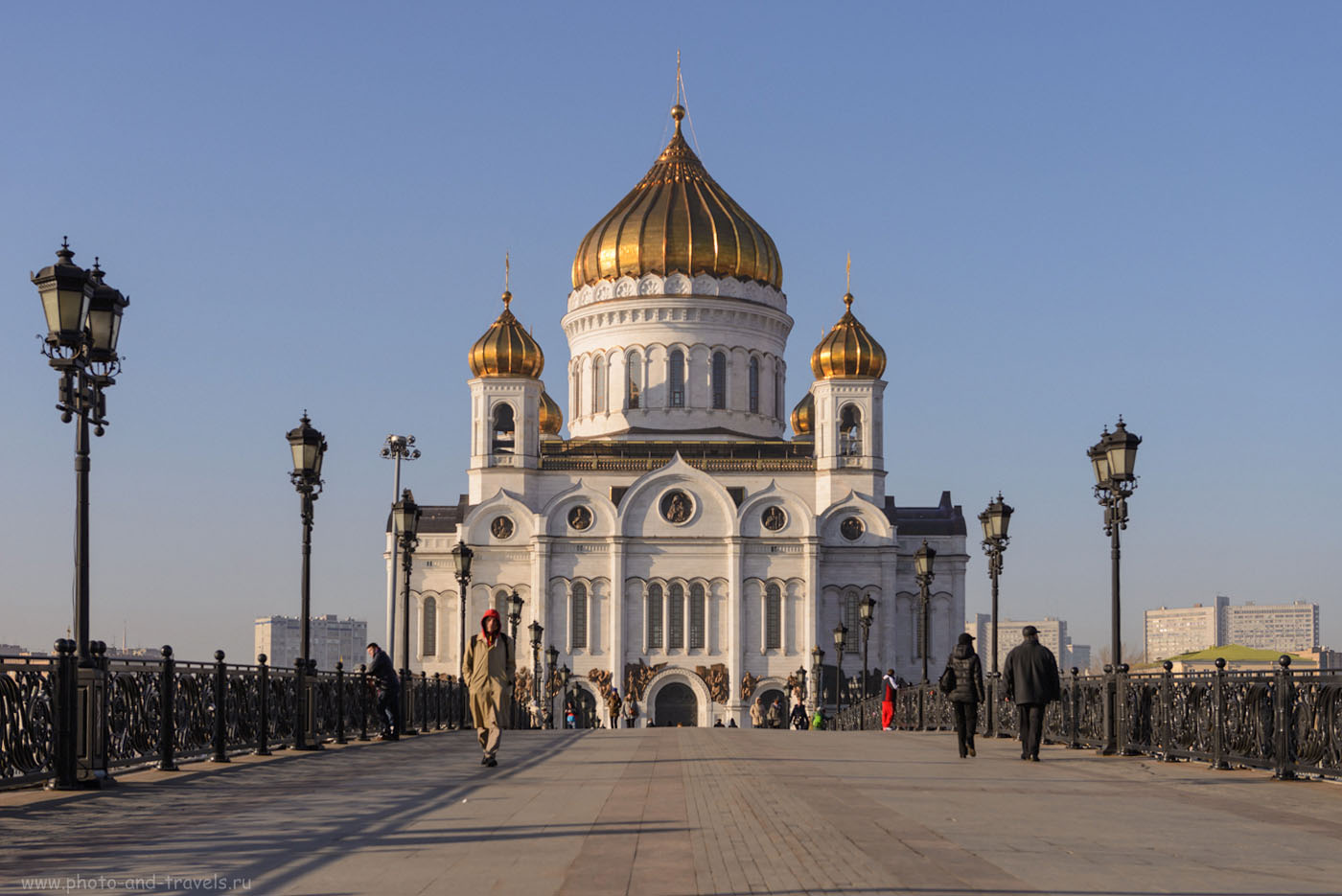 Фотография 14. Храм Христа Спасителя в Москве. Вид с Патриаршего моста. 1/640, 5.6, 100, 52.