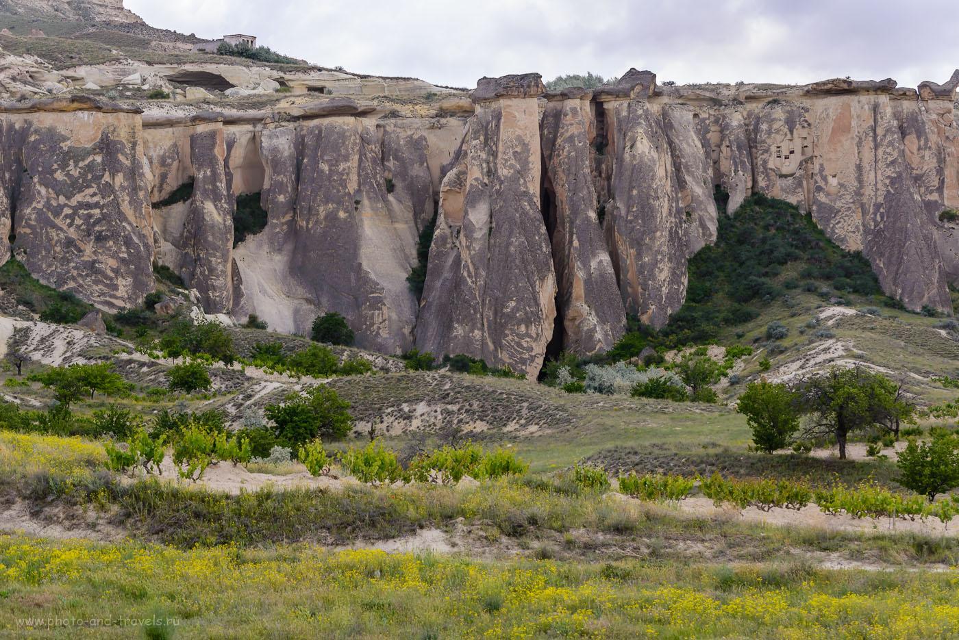 Фото 22. Как образовались необычные скалы в Каппадокии. Виды по пути из Пашабага в деревню Чавушин. 1/320, 8.0, -0.67, 160, 100.