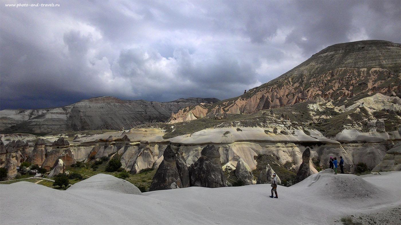 Фото 17. Один мой счастливый день на другой планете. Вид на долину Paşabağı Vadisi в Каппадокии. Снято на смартфон.