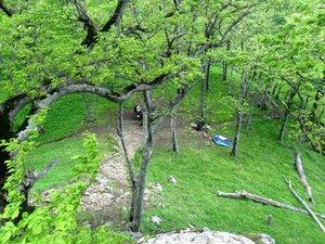 На привале, вид сверху, со скал горы Индюшка... SAM_7040.JPG