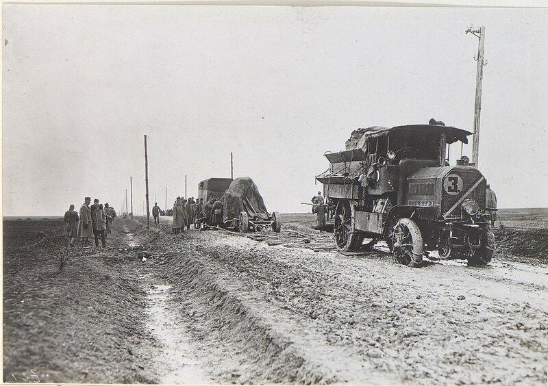Herausziehen eines Mцrserwagens mittels Zugwagens und Kette
