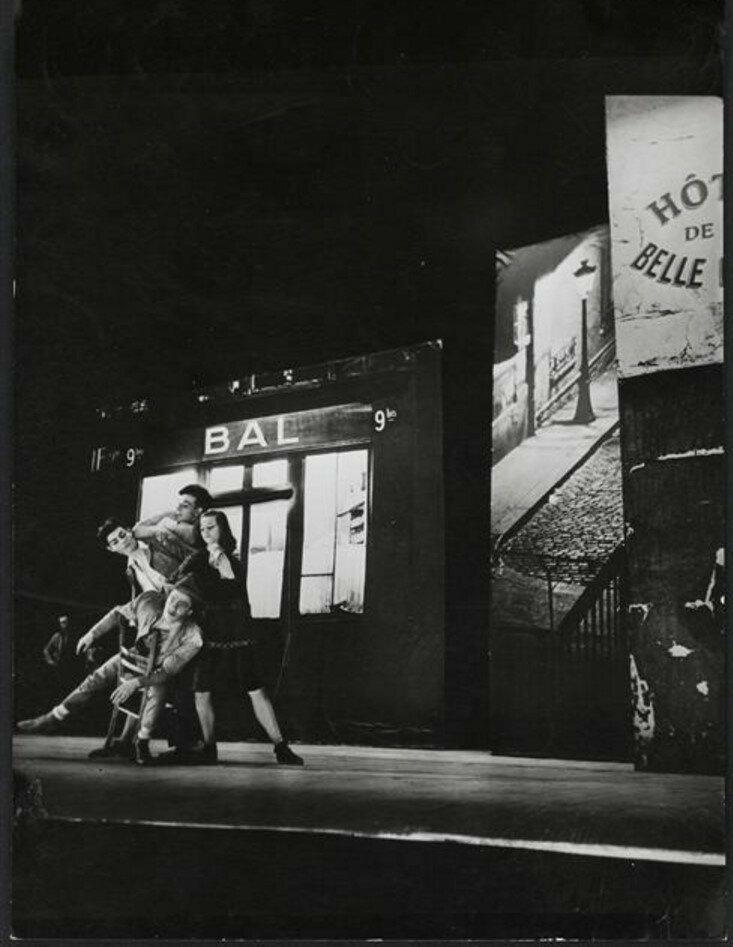 1945. Сцена из спектакля «Рандеву»