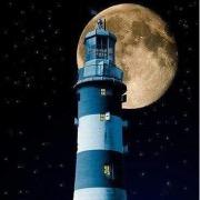 Маяк и Луна