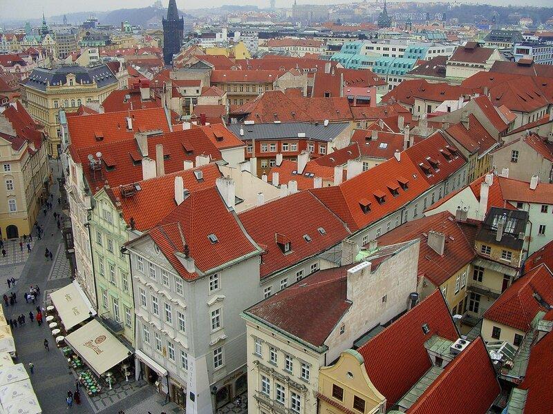 Черепичные крыши Праги...