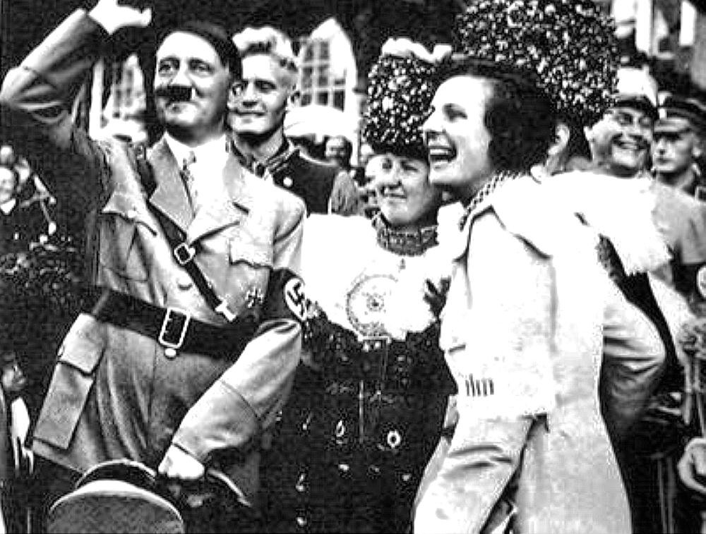 "Рифеншталь и Гитлер.   Adolf Hitler and Leni Riefenstahl   ""Triumph des Willens"" (1935):"