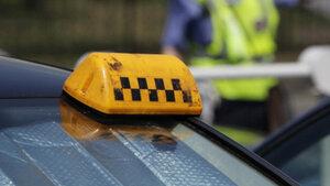 Трое злоумышленников отобрали авто у таксиста из Бельц
