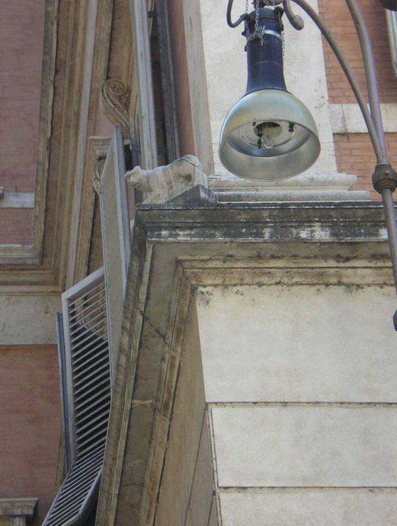 Рим-Рис.-22_Кошка-на-Кошачьей-улице_resize.jpg