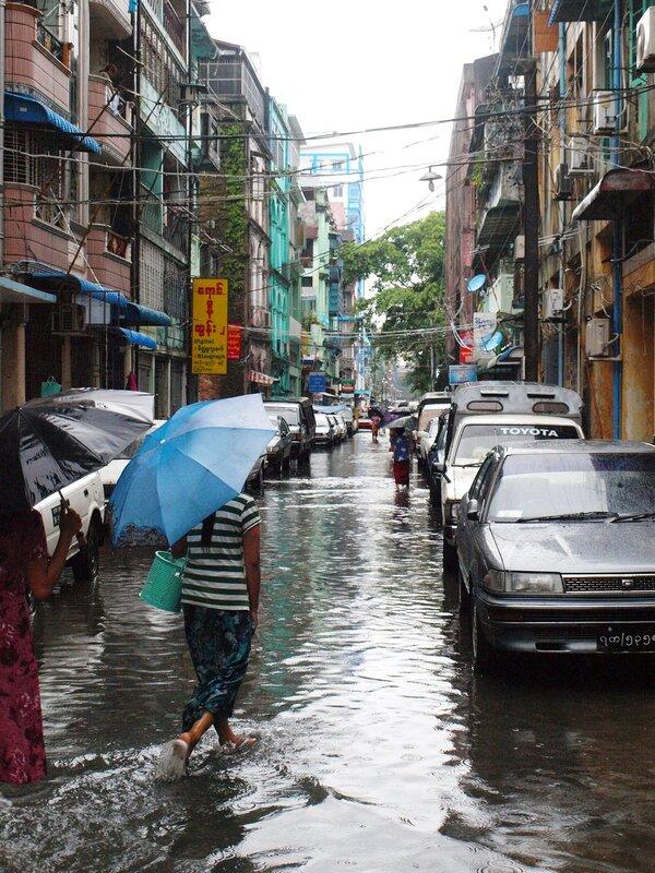 Сезон дождей в Янгоне. Ч.2. Где вы, большие перемены?