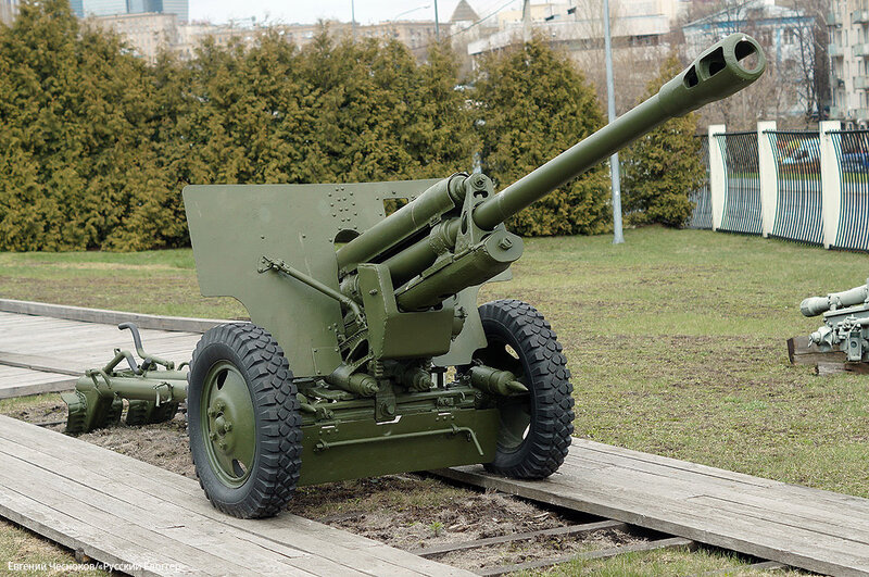 36. Музей ВОВ. 21.04.15.24.76мм пушка ЗИС-3 1942..jpg