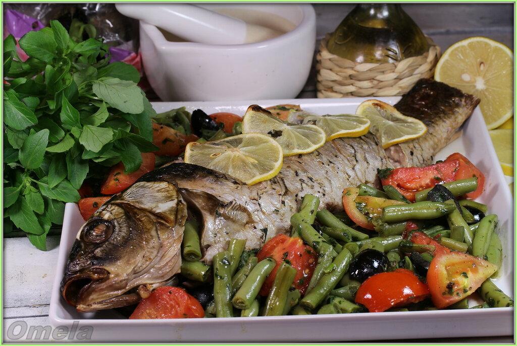 Сазан (карп) с овощами в базиликовом соусе