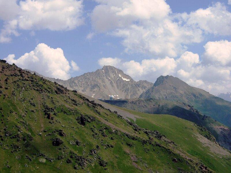 Горный пейзаж с баксанской обсерваторией
