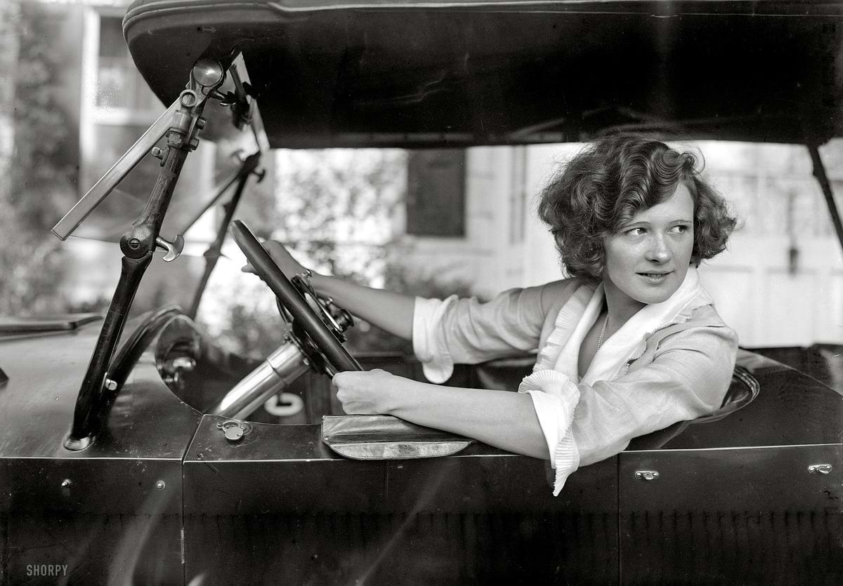 Автомобили и девушки начала 20-го века на снимках американских фотографов (20)