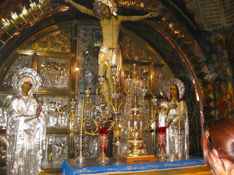 Голгофа. Место, где лежало тело Иисуса после снятия с креста