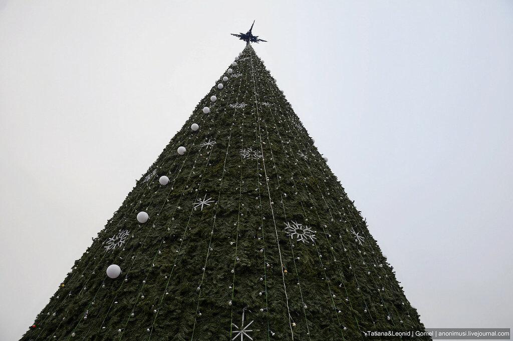 Ёлка на площади Ленина. Гомель.