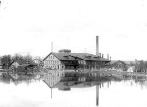 Внешний вид здания фабрики.