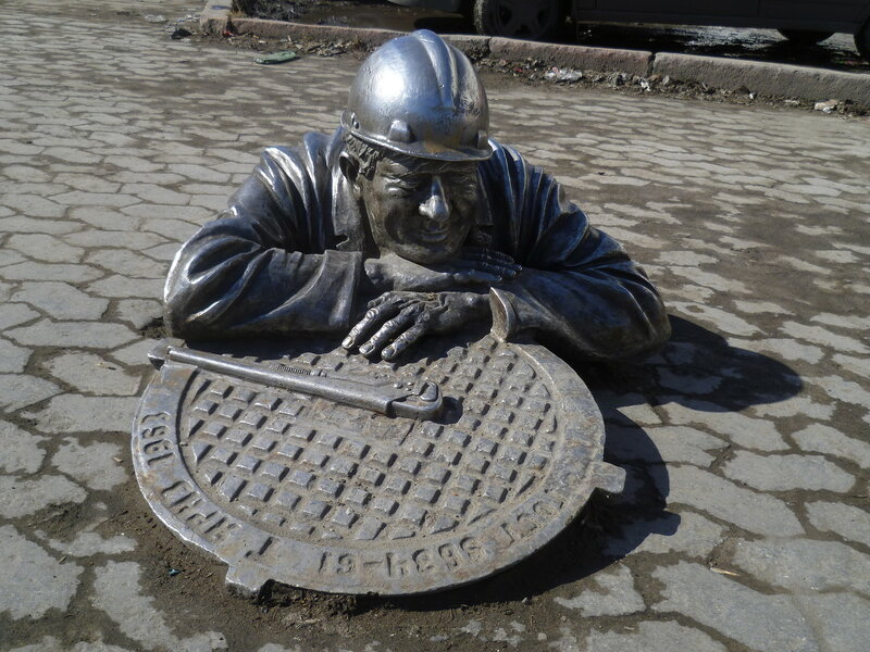 Россия, Омск - памятник сантехнику (Russia, Omsk - a monument to the plumber)